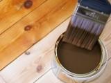 Colorear barnices y lacas para teñir maderas