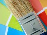 Cómo teñir una pintura blanca con entonadores