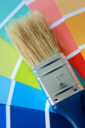 C mo te ir una pintura blanca con entonadores - Pinturas para madera interior ...