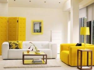 Si usas toques de color amarillo alegrarás tu casa