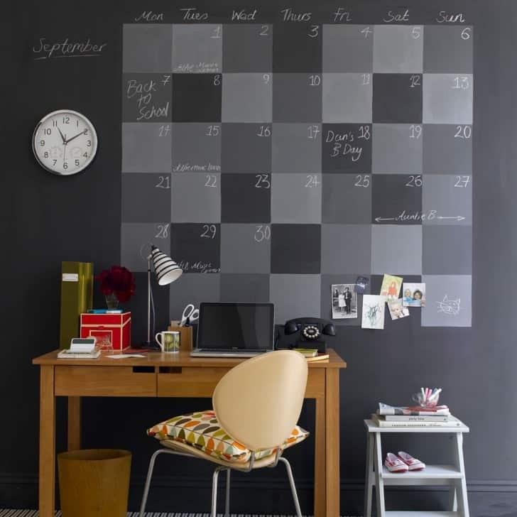 Calendario con pintura pizarra