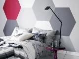 Figuras geométricas pintadas en las paredes