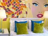 Pintar un mural con la ayuda de un proyector