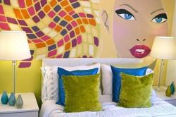 Mural colorido mujer
