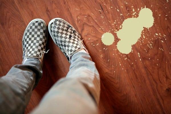 C mo quitar manchas de pintura for Como quitar las manchas del piso del bano