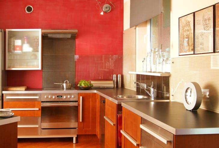 Pinta tu cocina de colores alegres - Cocinas color rojo ...