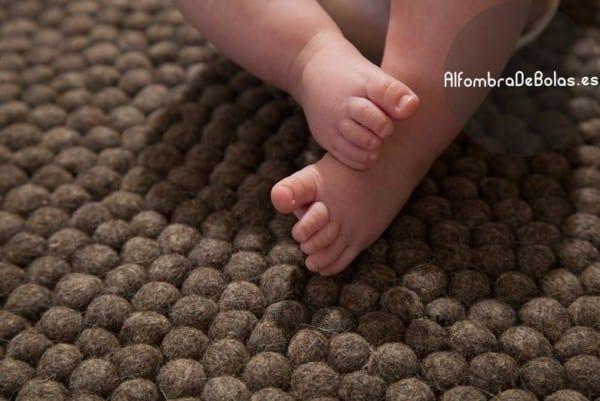 Alfombra de bolas redonda gris