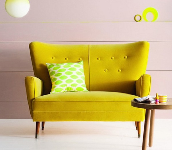 Sof amarillo de qu color pintar las paredes for Pintura pared gris azulado
