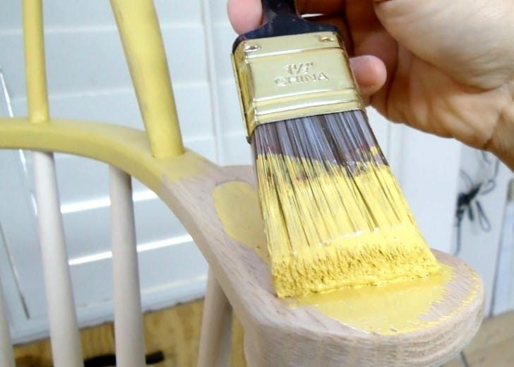 Pintando silla