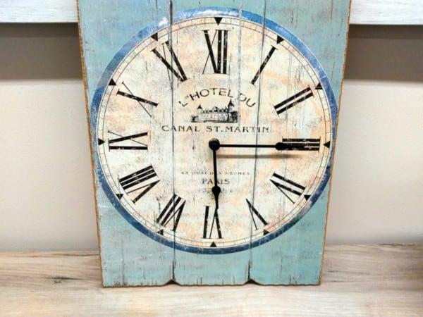 Reloj rústico decapado