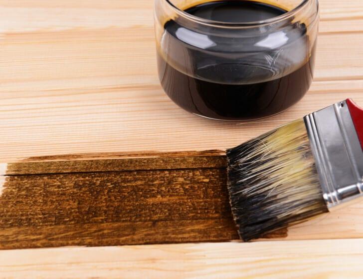 Teñir madera con Betún de Judea