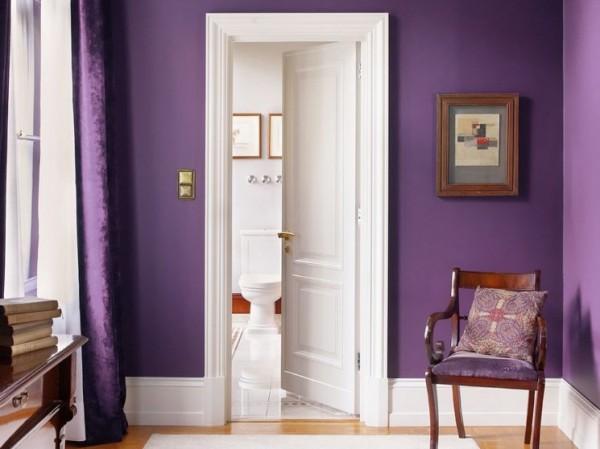 Pasillo color violeta