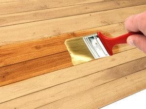 Cómo barnizar la madera, paso a paso con imágenes