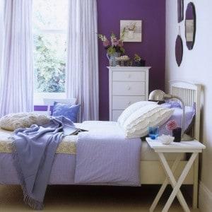 Pared dormitorio violeta