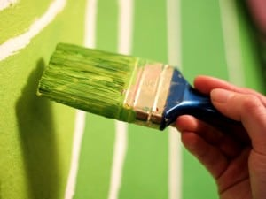 El resultado de mezclar pintura verde con otros colores