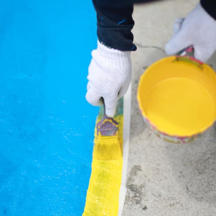 Pintando suelo exterior