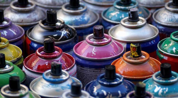 Pinturas, barnices y acabados especiales en spray o aerosol