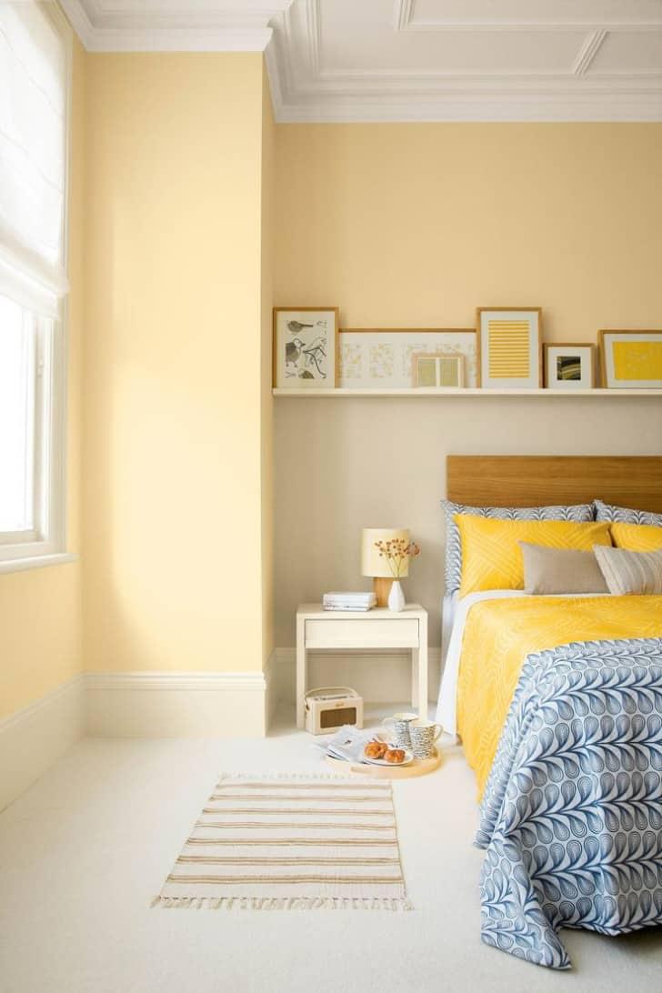 Paredes del dormitorio en amarillo pastel